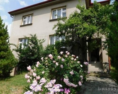 Prvorepubliková vila, 180m2, pozemek 620m2, Benešov
